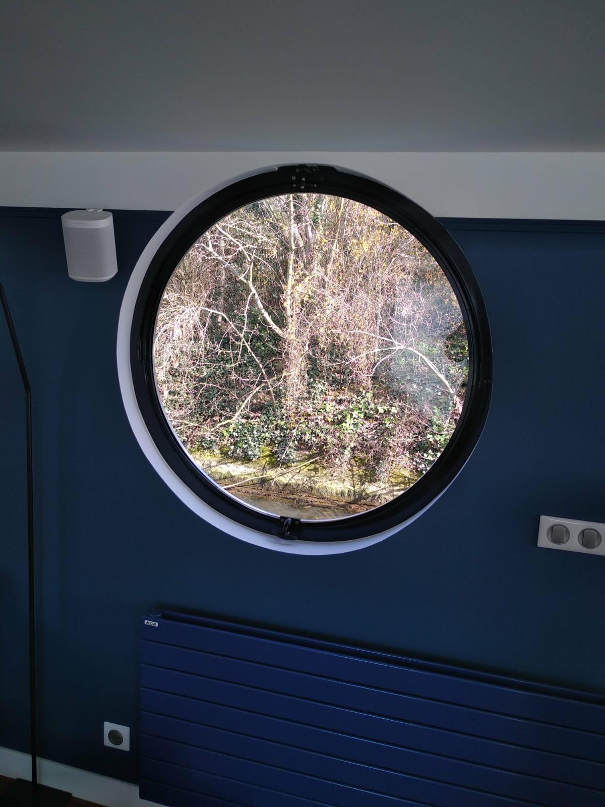 eample of fixed porthole
